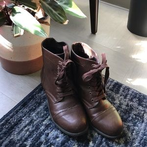 Rampage brown ankle boots
